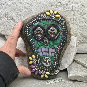 Dia de los Muertos / Day of the Dead / Skull Mosaic  / Garden Stone (1)