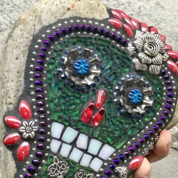 Dia de los Muertos / Day of the Dead / Skull and Keys Mosaic  / Garden Stone (2)